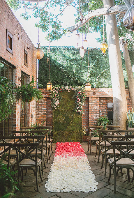 Ceremony-Aisle-Decor-Anna-Delores--Photographgy