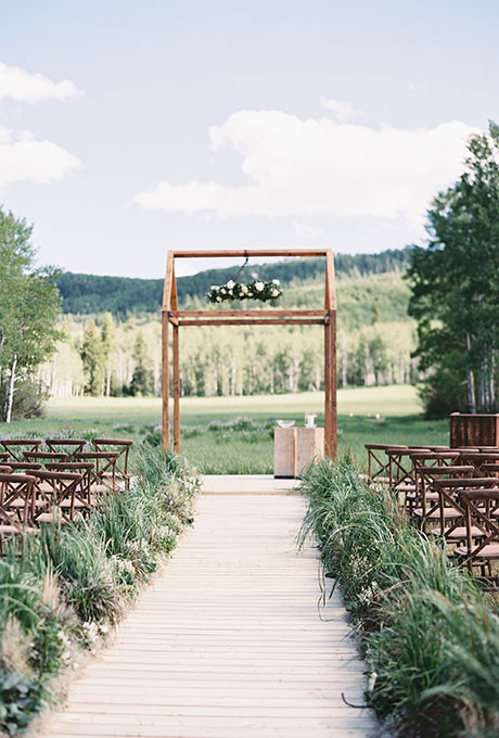 Ceremony-Aisle-Decor-Jessica-Lorren
