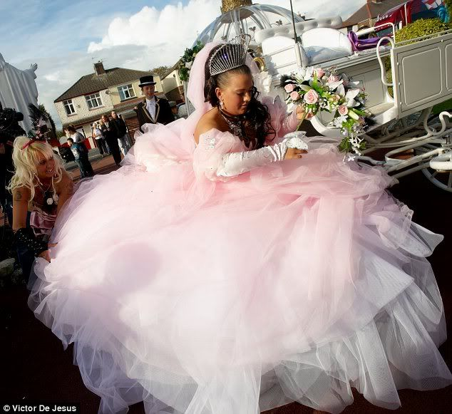 worst-wedding-dresses14