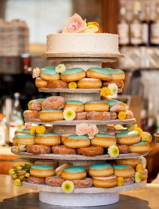 shabby_chic_doughnut_cake