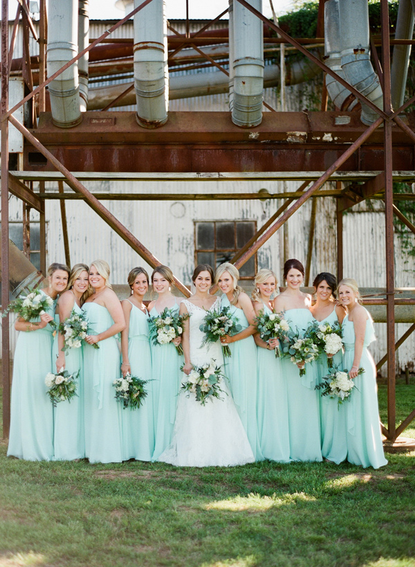 Ruffled - photo by http://www.brandismyth.com/ - http://ruffledblog.com/industrial-wedding-in-shreveport