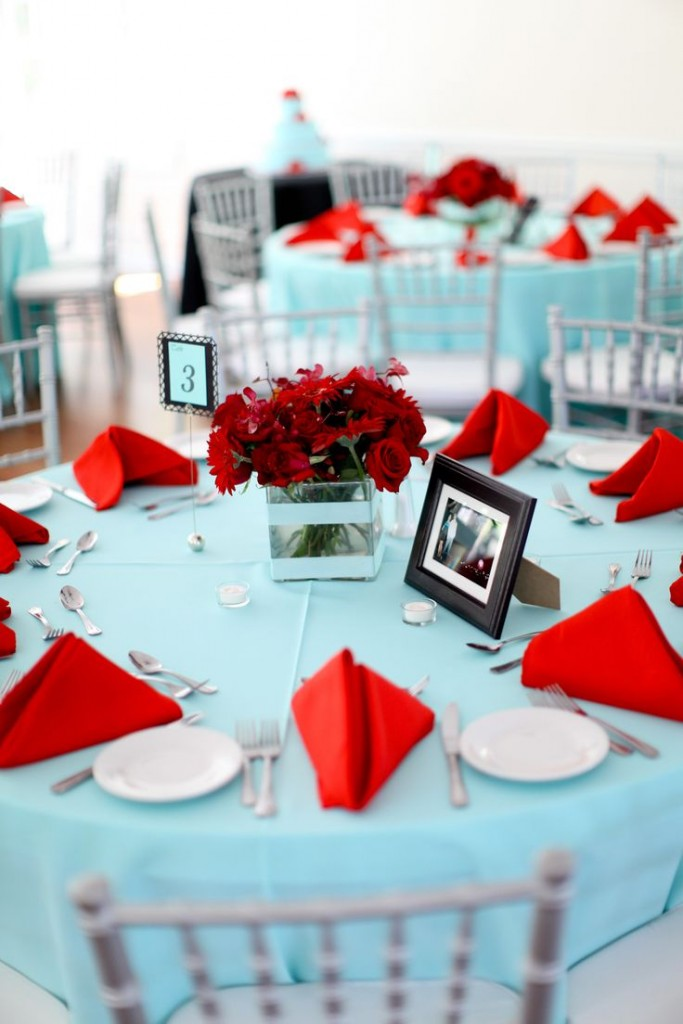 Tiffany-Blue-Red-Wedding-table-setting