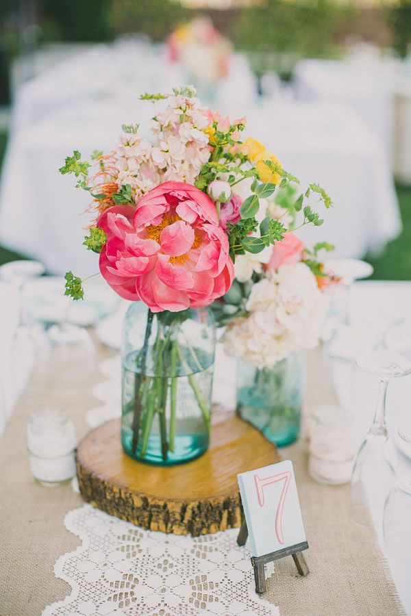 mason-jar-centerpieces-tree-stump-2