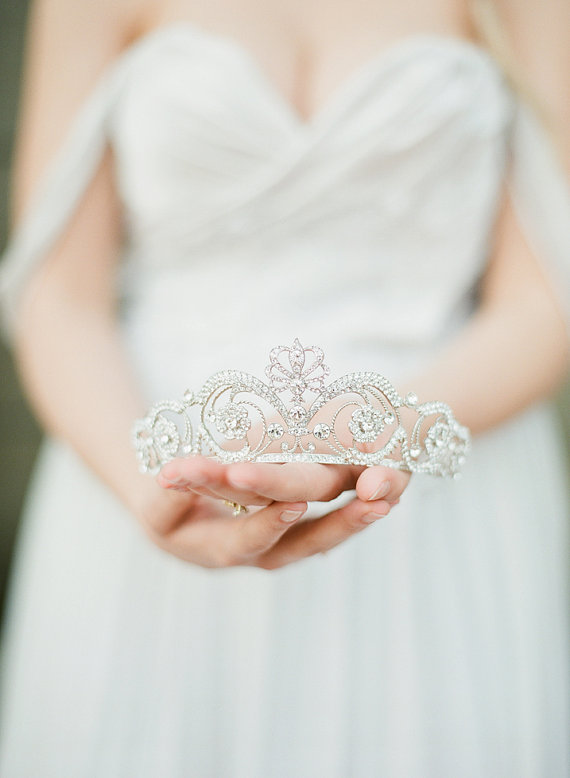 Wedding-hair-accessories-tiara