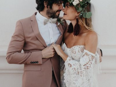 this-wedding-inspiration-at-san-xavier-del-bac-is-the-epitome-of-southwestern-chic-35-700x1050-700x1050